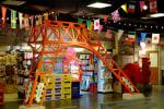 怪しいレトロ物件だけど、なぜか楽しい「台場一丁目商店街」