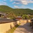 日本の安全と平和のために韓国との友好を進める
