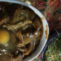 生卵カレー