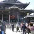 ⑥  鳥居の色は 神社・お寺で 異なる