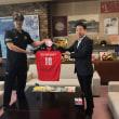 箕面市をホームタウンとして活躍している、プロバレーボールチームのサントリーサンバーズのみなさんが倉田市長を表敬訪問されました!!