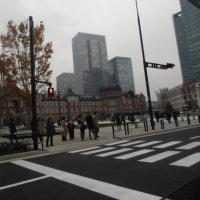 車窓から見た東京駅丸の内広場