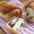 チアシード入りのパンとあん食パン