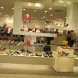 カラフルで夢のある婦人靴売り場