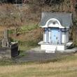 墓地の小堂