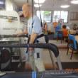 股関節歩行学ぶ、免体重牽引式トレッドミル