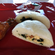 中華まんじゅうの糖三角と三彩包です。寒い日は蒸かしたての中華まんじゅうが美味しいです。