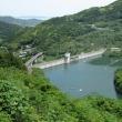 笛吹ダムの水辺