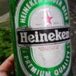 よく冷えたビールの、きめの細かい泡♪