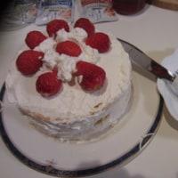 春は苺のルビー色から  祝ブログ12年