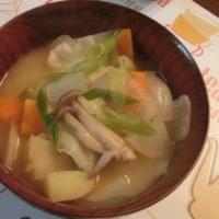 ニンニクの芽肉巻き&ネギトロ丼&具だくさん味噌汁