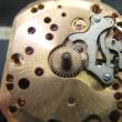 ロンジン紳士物手巻き時計とオメガ婦人物手巻き時計を修理です