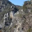 山梨県昇仙峡・・・雲飛ぶ覚園峰の松