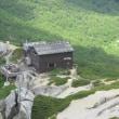空木岳直下、駒峰ヒュッテのテラスで至福の時間。
