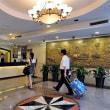中国では、ホテルのチェックイン時に顔写真の撮影義務化が始まった。