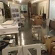 展示室の設営(入口は台所風に)
