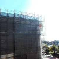 大規模修繕工事、マンション全体に足場が組まれました。