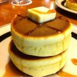"""【炊飯器レシピ】余ったお餅の有効利用も!""""極厚もちもちホットケーキ""""♪"""