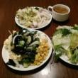 本日のディナーは15%クーポン券利用でカウボーイ家族湯里店へ。店員さんたちから山本隆雄という名前だけで誰かと特定されているのに感心。1009円で栄養補給。