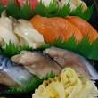 日曜は贅沢に♪ど~んと「うに丼」!余市の「塩水うに(赤&白)」入荷!!刺身と手作り干物の専門店「発寒かねしげ鮮魚店」。