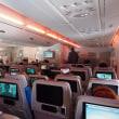 あなたならどうする? 飛行機で知らない女性が「足が痛い。席を譲って」