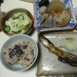 ロールパン、目玉焼き、納豆、ロールキャベツ、サンマの干物、おつまみ