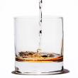 ウイスキーに水を数滴垂らすとおいしくなる理由の研究!