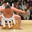 『横綱 白鵬』、 『大関 魁皇』の最多勝に並ぶ-に一言