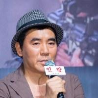 キム・ジウン監督、フランス文化芸術功労勲章オフィシエ受賞