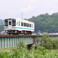 天竜川を渡る天竜浜名湖鉄道の車両を撮影