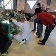 船舶職員養成講習会の講習生が機関実習棟で学習