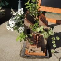 ノコギリ屋根植木鉢