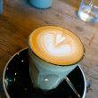 『ヤマノシタコーヒー』の「ラテ」でハートのラテアート