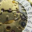 機械が2個入っているクオーツ時計とボームメルシエの自動巻き時計を修理です