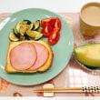 ズッキーニのソテーで朝ごはんと 旬のフルーツ