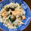 お造り用の「鮭の冊」で→「鮭の炊き込みご飯」とあったか「湯葉うどん」(^^)
