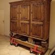 重たい家具