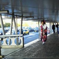 受動喫煙ない国「使命」 塩崎厚労相が強調