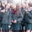 やあやあやあ、アイルランドの女高生たち!