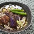 茄子とオクラと干し椎茸の煮浸しを蕎麦に乗せる朝