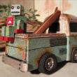 ピックアップ・トラックとロボット・サーファー!?