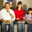 イギリス人の平均夕食時間21分。