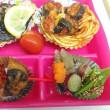 8月21日(月)千代の前菜はセミの踊り食い?