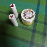 蜜蠟とカレンデュラオイルで作るハンドクリームとリップクリーム