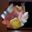 ウニの貝焼き入り海鮮丼