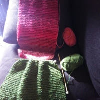 編みもの、進む