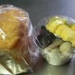 家族のお弁当と、実家用おかずと食パン