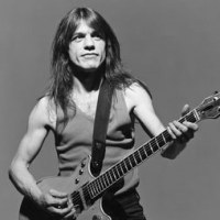 Malcolm Young  (AC/DC)      1953-2017