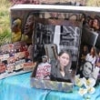 【やっぱり繋がってたかwww】  伊藤詩織が大噓で売名中!!! サンフランシスコの慰安婦像前に伊藤詩織さんの写真がお供えしてあった。
