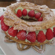 苺のパリ・ブレスト